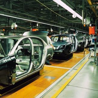 limpieza en el sector automoción con pulido de hormigón o señalización vial
