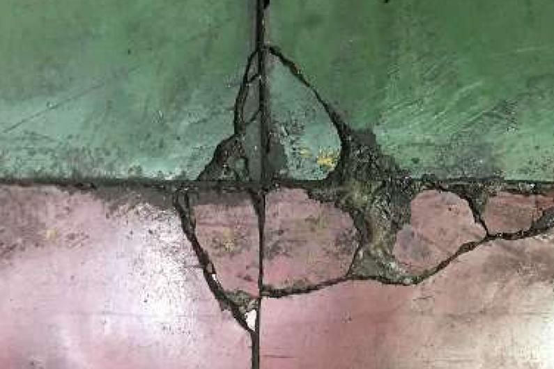 Fisuras en el pavimento